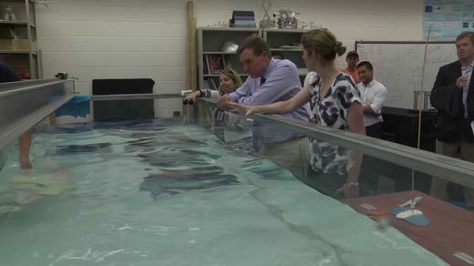 Senator Mark Warner touring the engineering labs at UVA