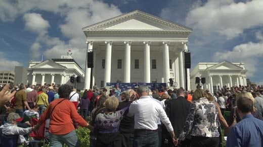 Thousands gathered in Richmond to pray with Franklin Graham Wednesday