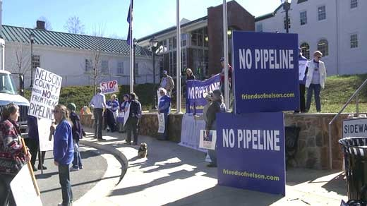 Protesters rally outside Nelson Circuit Court