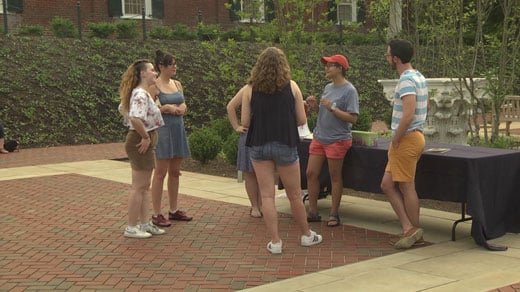 students preparing for memorial service at UVA for Pulse victims