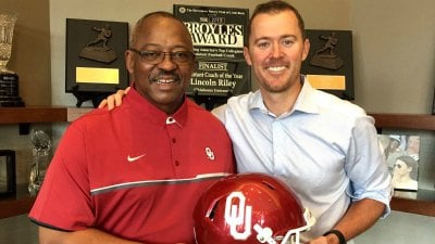 Ruffin McNeill will coach at Oklahoma
