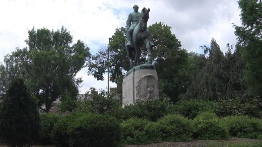 Statue of Confederate General Robert E. Lee in Emancipation Park (FILE IMAGE)