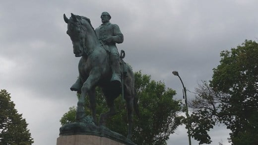 Statue of Confederate General Robert E. Lee in Emancipation Park