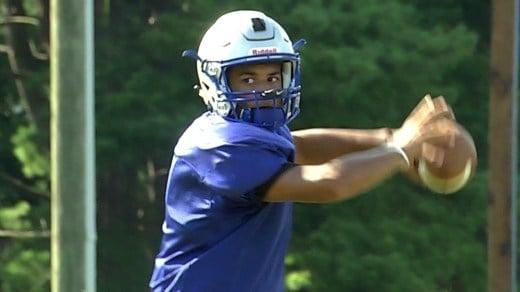 Senior quarterback Jayden Williams