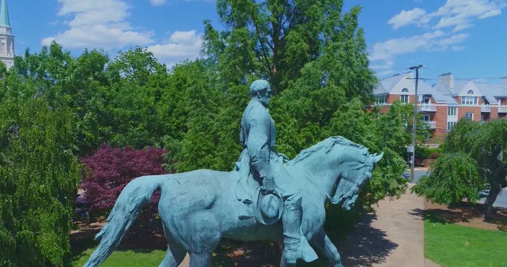 Lee Statue in Charlottesville