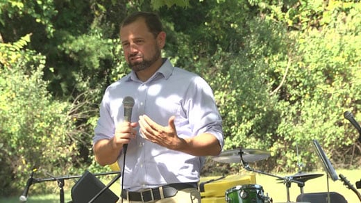 Tom Perriello Urges Voter Participation at Albemarle Barbecue