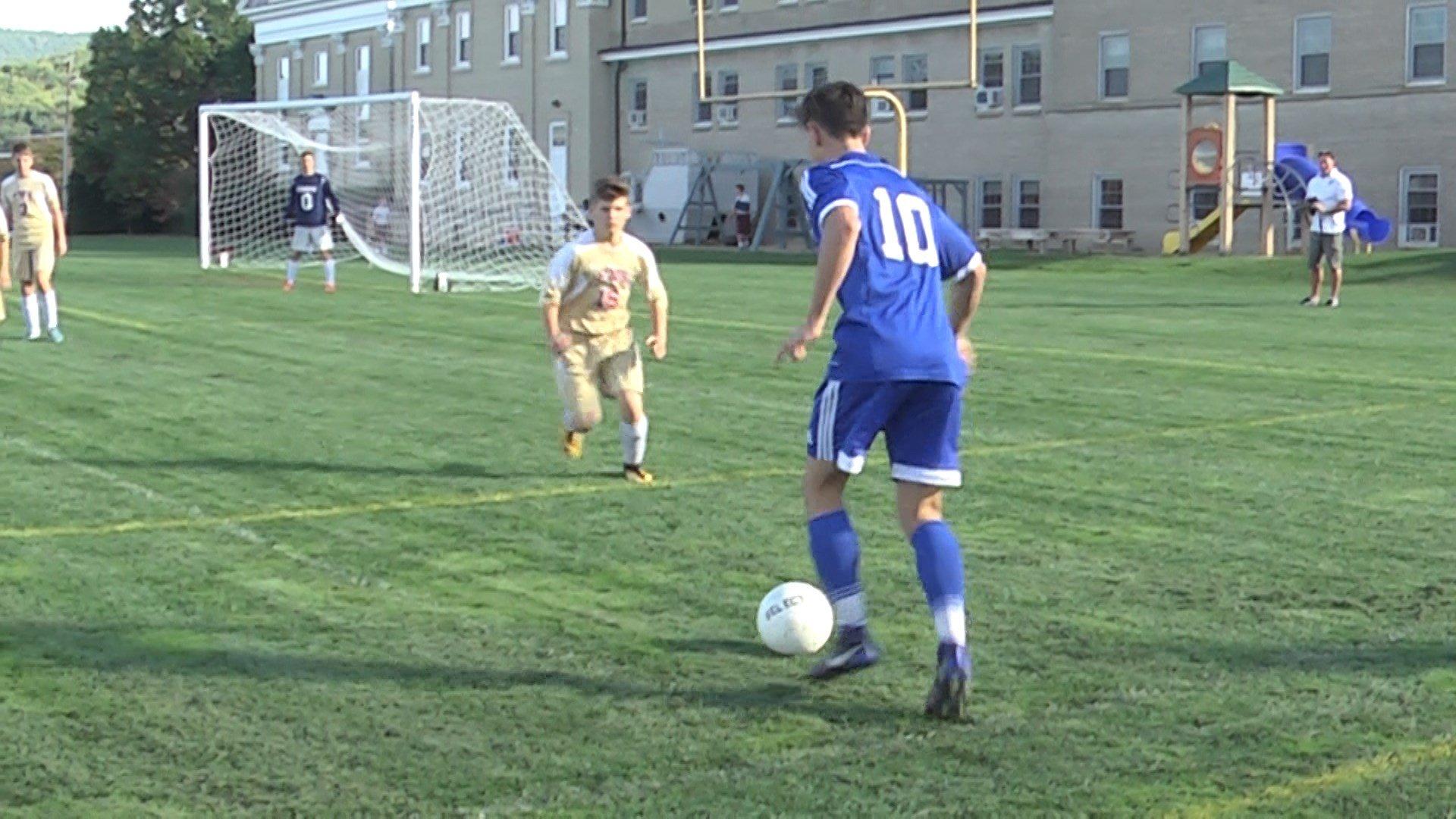 Levi Moss passes the ball for Blue Ridge