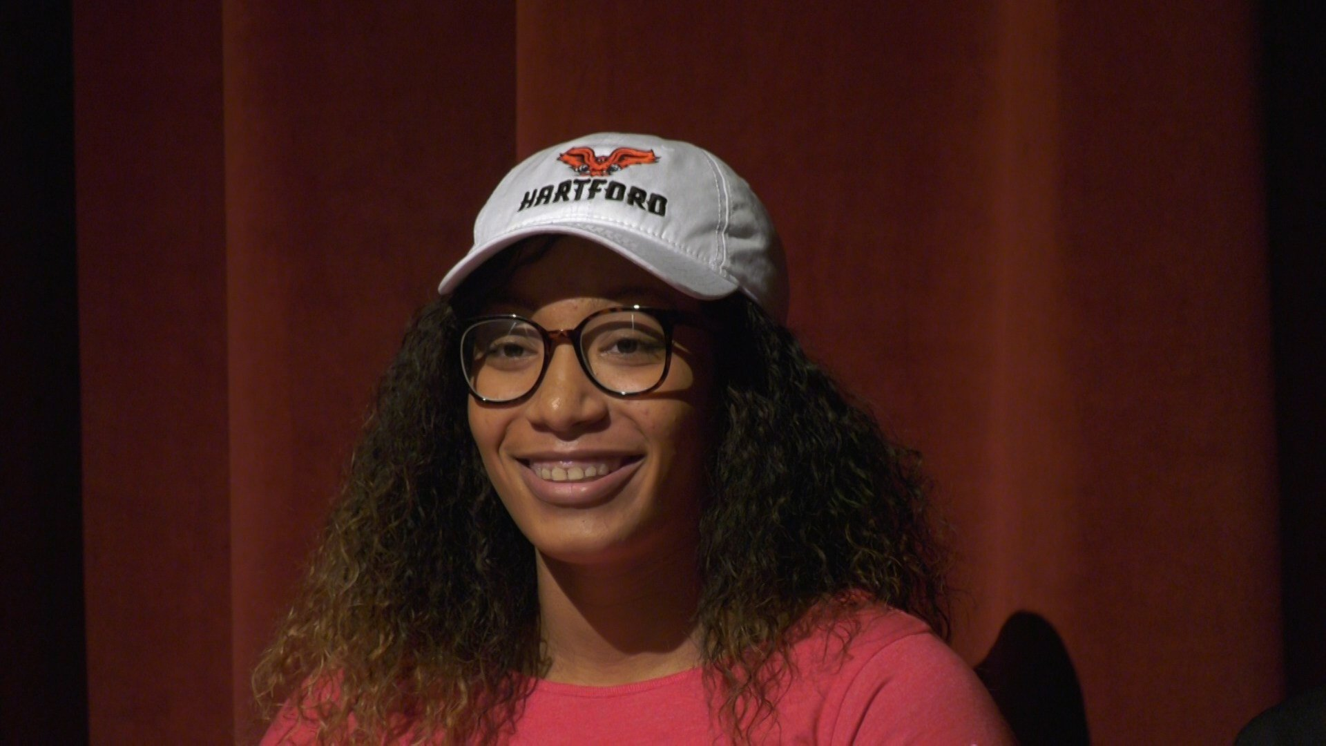 Sierra Smith signed to play basketball at the University of Hartford