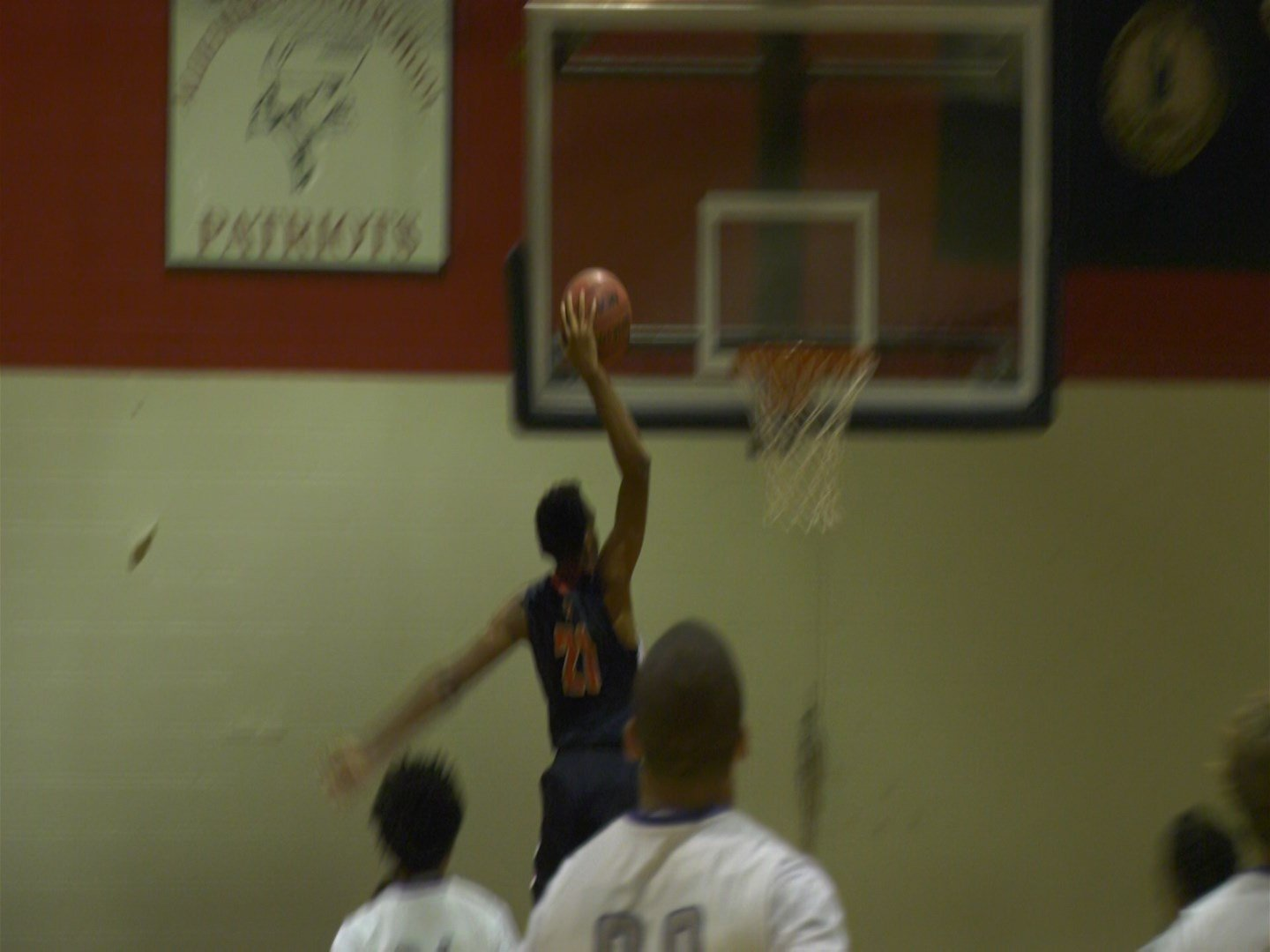 Na'il Arnold dunks for Albemarle
