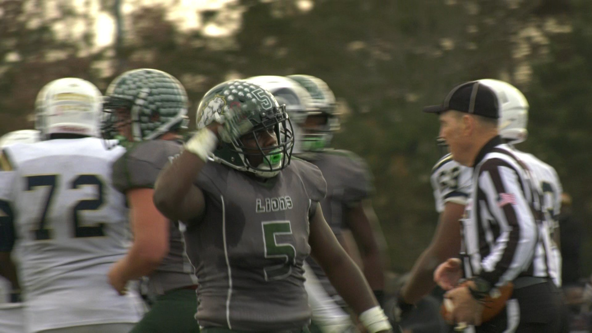 Raquan Jones scored a touchdown to give Louisa County a 17-0 half time lead over Lafayette