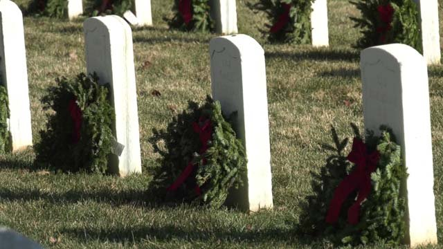 Veterans honored with holiday wreath ceremony