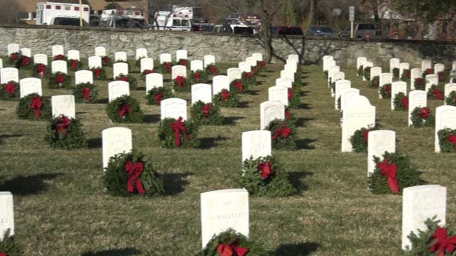 Flathead Valley Civil Air Patrol squadron lay wreaths on veterans' graves