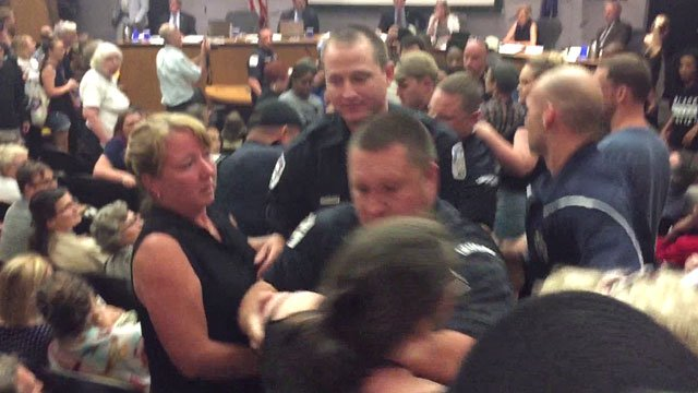 Police act as City Council meeting turns confrontational (FILE IMAGE)