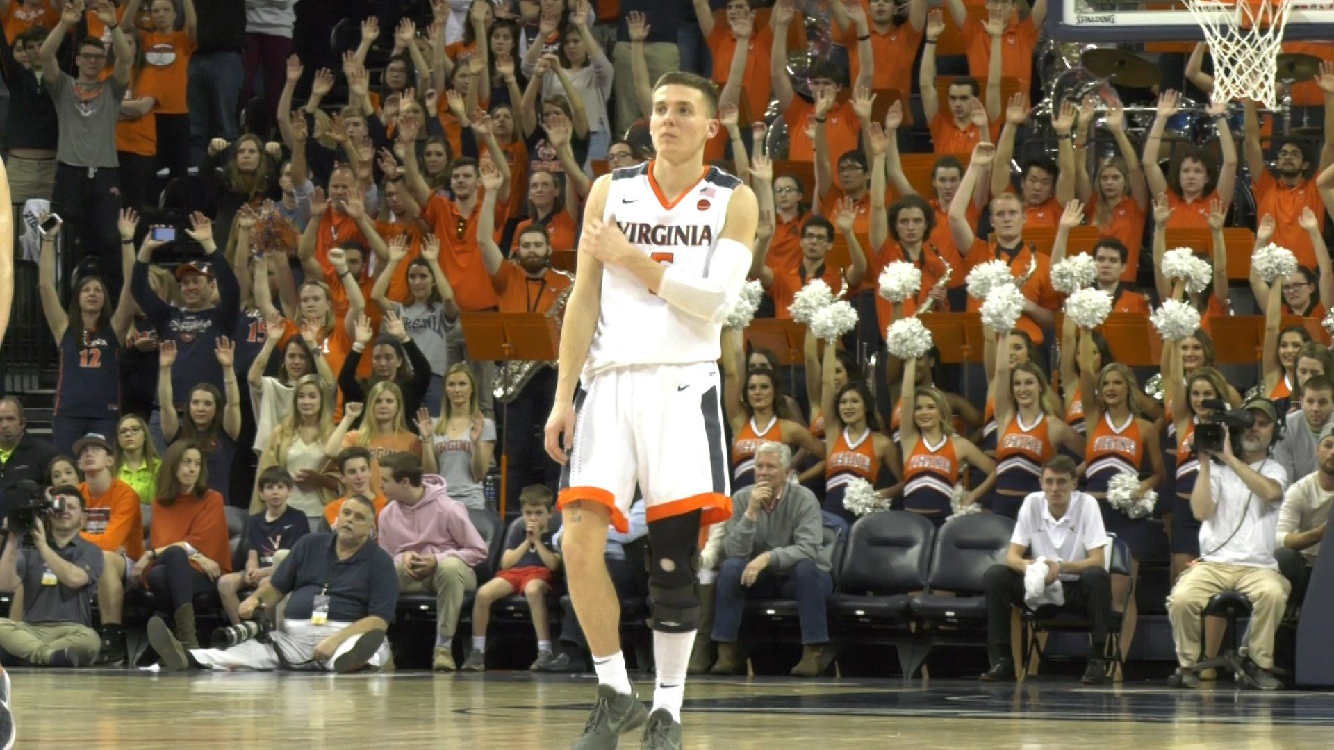 Kyle Guy played Saturday with a knee brace after his knee injury