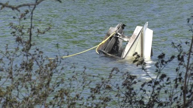 Boat damaged by a fire at Lake Monticello (FILE IMAGE)