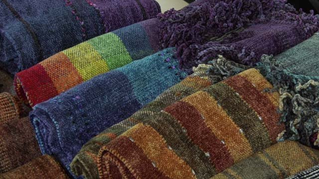 The workers produce 200 scarves each day