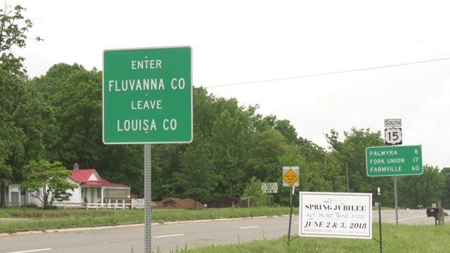 Sign separating Louisa and Fluvanna counties
