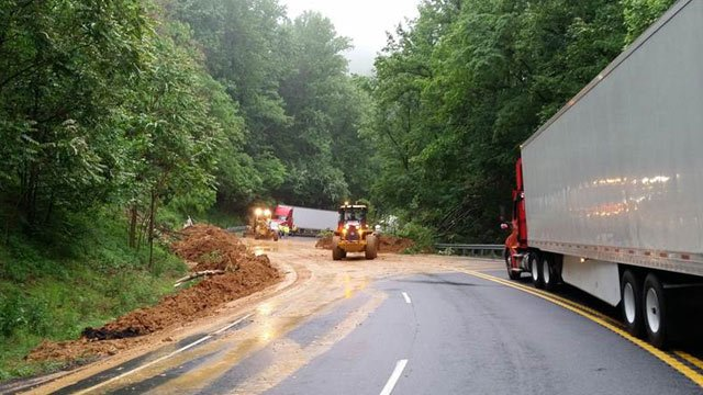 Crews clearing up Route 33 in Greene County (Photo courtesy VDOT)