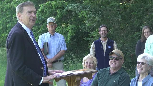 Sen. Emmett Hanger speaking at Lucky Charm Farms