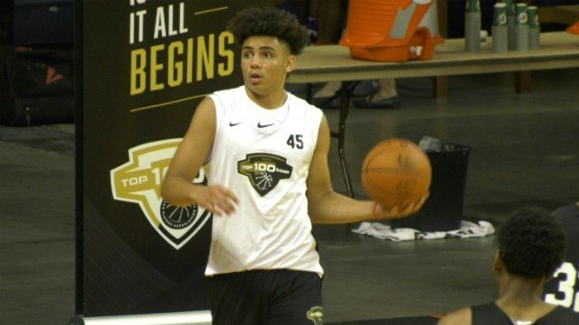 Drake London is rated as a three-star prospect in basketball
