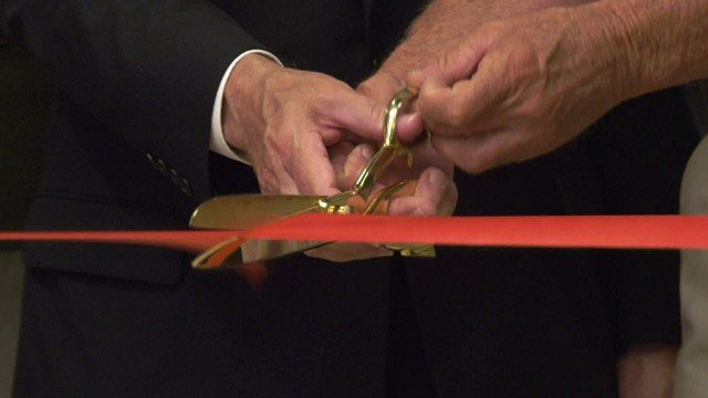 Ribbon cutting ceremony at Linden House