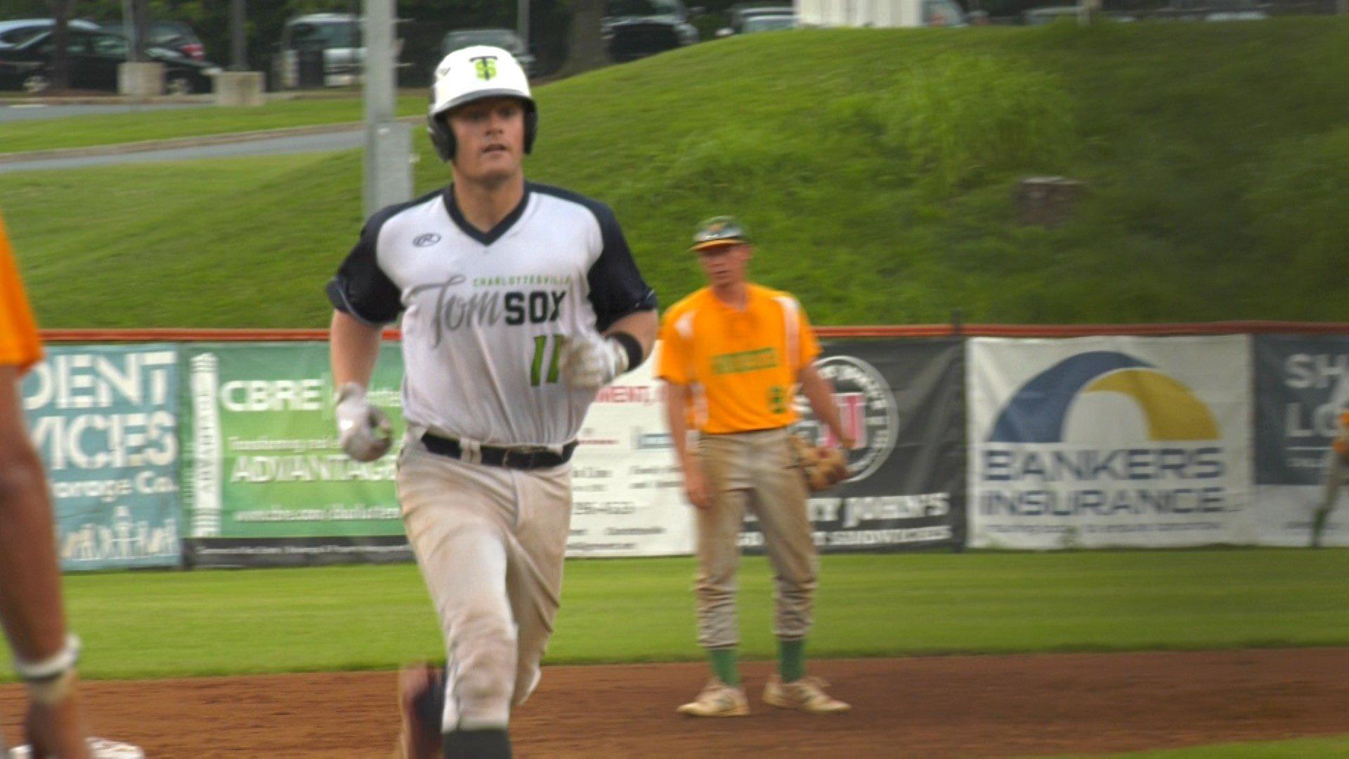 Nick Oar hits a 2-run home run