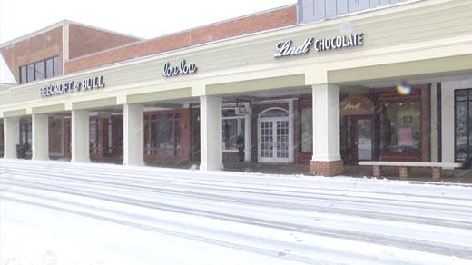 Snow at Barracks Road Shopping Center