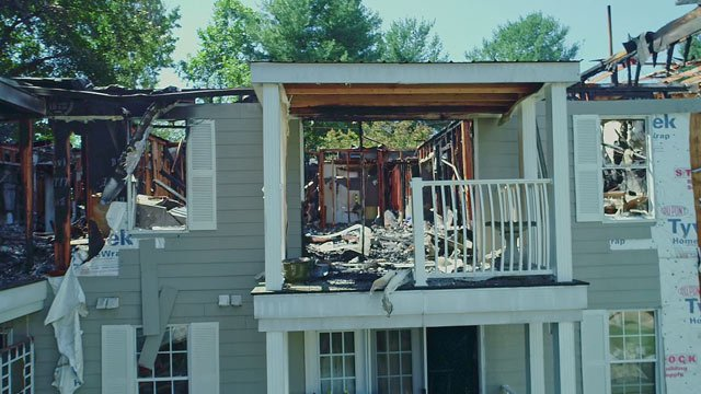 A portion of Villas at Southern Ridge Apartments damaged by a fire (FILE IMAGE)