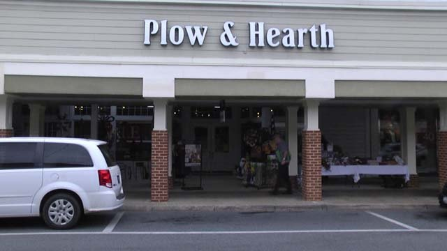 Plow Hearth Retail Store to Leave Barracks Road Shopping Center in Early 2020