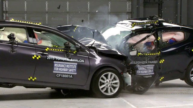 Crash testing at IIHS (Courtesy IIHS)