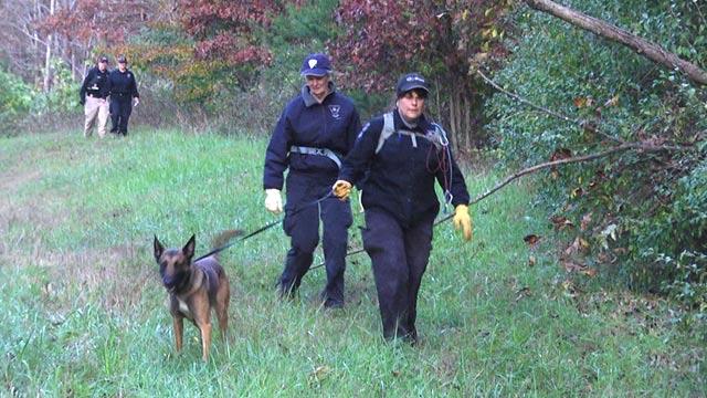 Crews searching area along John Warner Parkway
