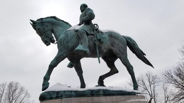 Statue of Robert E. Lee (FILE IMAGE)