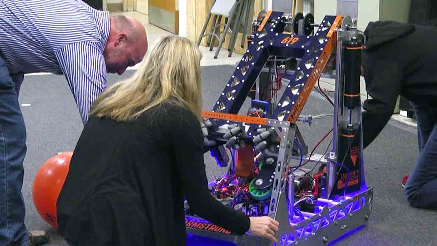 Cavalier Robotics to Compete in World Robotics Competition, Team 619