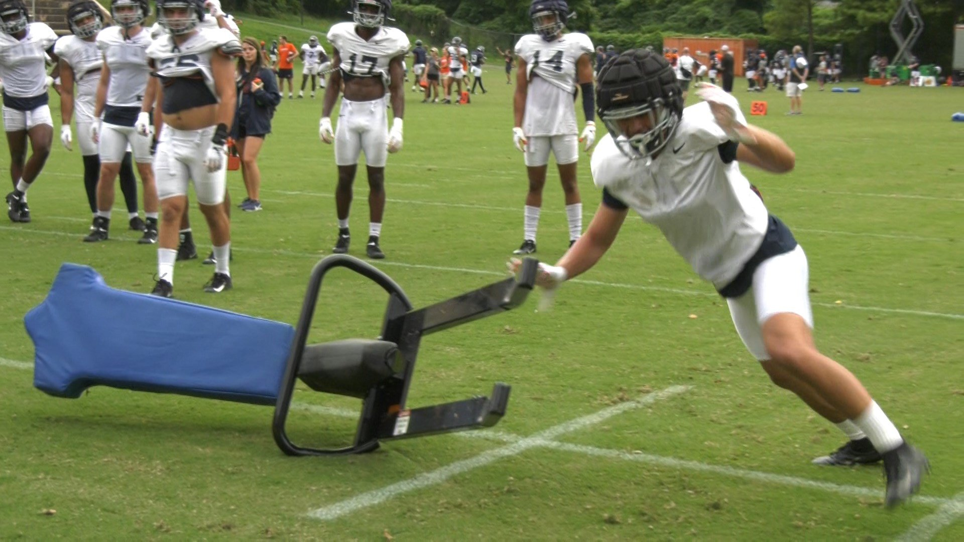 UVA Football Practices in Front of Cameras for Final Time before Season Opener