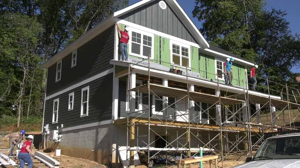 Bank Donates Labor and $15K to Habitat for Humanity of Greater Charlottesville