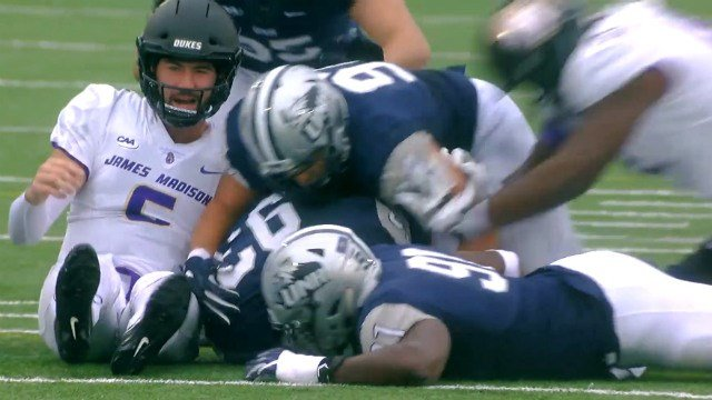 New Hampshire Forces Six Turnovers Upsets No 3 Jmu Football 35