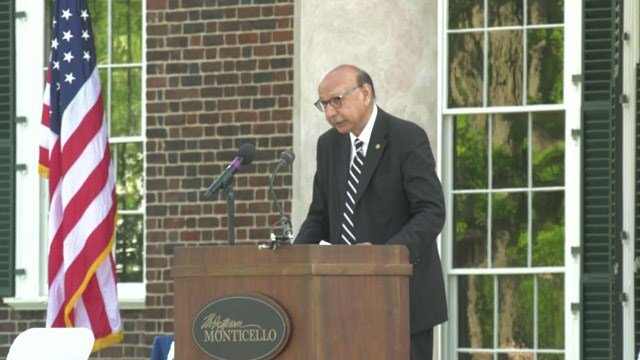 Gold star parent Khazir Khan speaking at 2019 naturalization ceremony